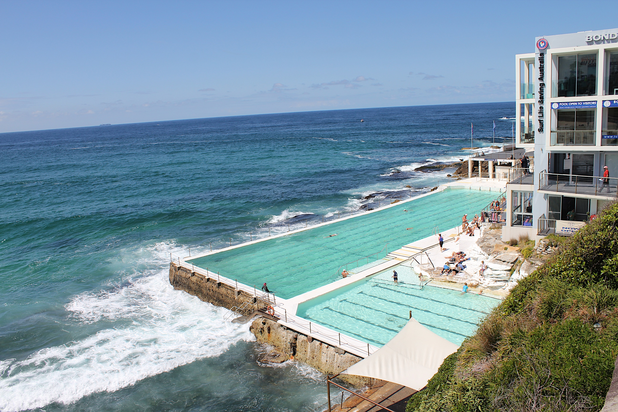 The Bondi Icebergs pools are right next to Bondi Beach and allow swimmers a safe environment. It's one of the oldes Surf Live Saving Club's of Australia.
